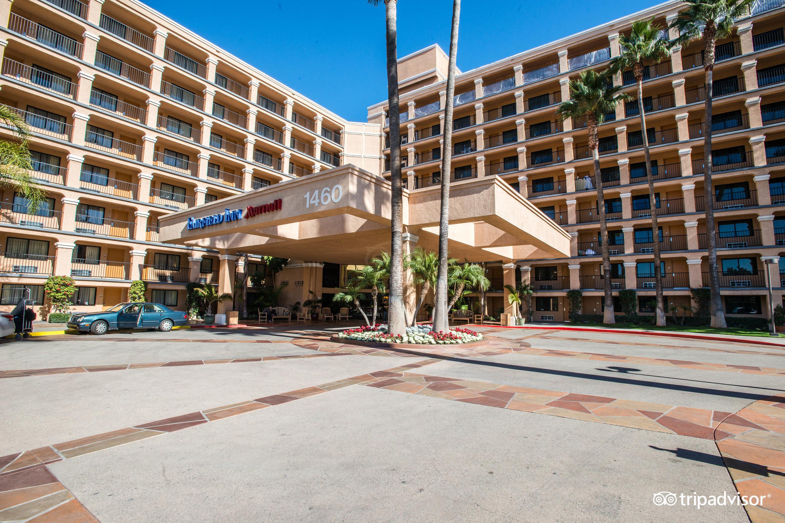 Fairfield Inn Anaheim Disneyland Resort CA 2018 Review  : street v11520127 from www.familyvacationcritic.com size 2600 x 1733 jpeg 1468kB