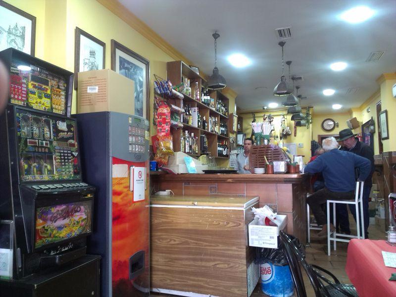 Restaurante bar la farola en ronda con cocina otras - Bares en ronda ...