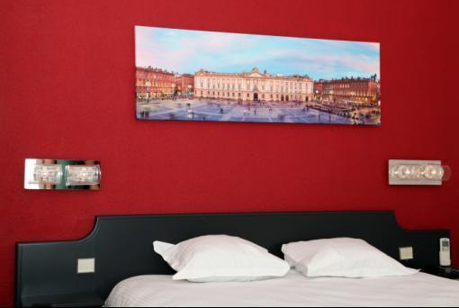 Hotel Occitania