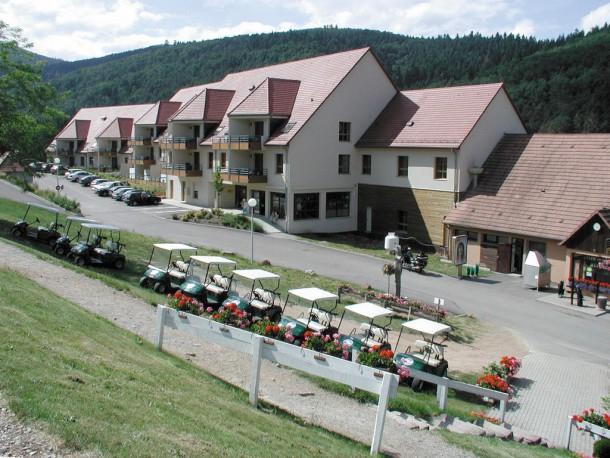 球場住宅飯店