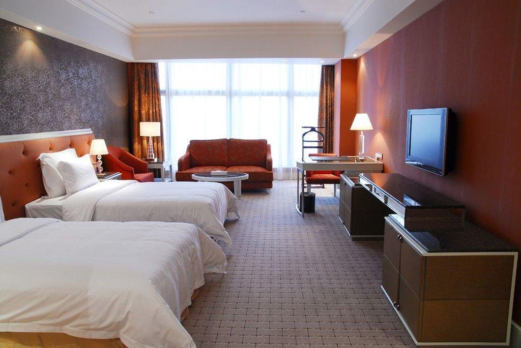 チウシュウイシャン グランド ホテル (深セン求水山酒店)