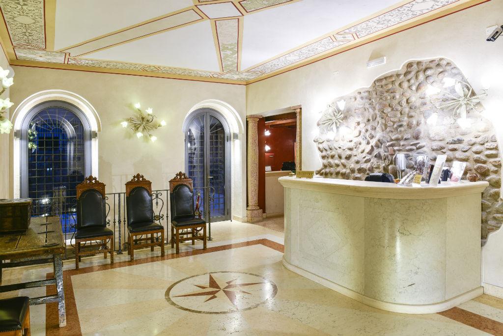 安蒂科聖芝諾公寓酒店