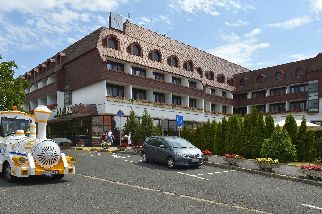 ホテル ショプロン