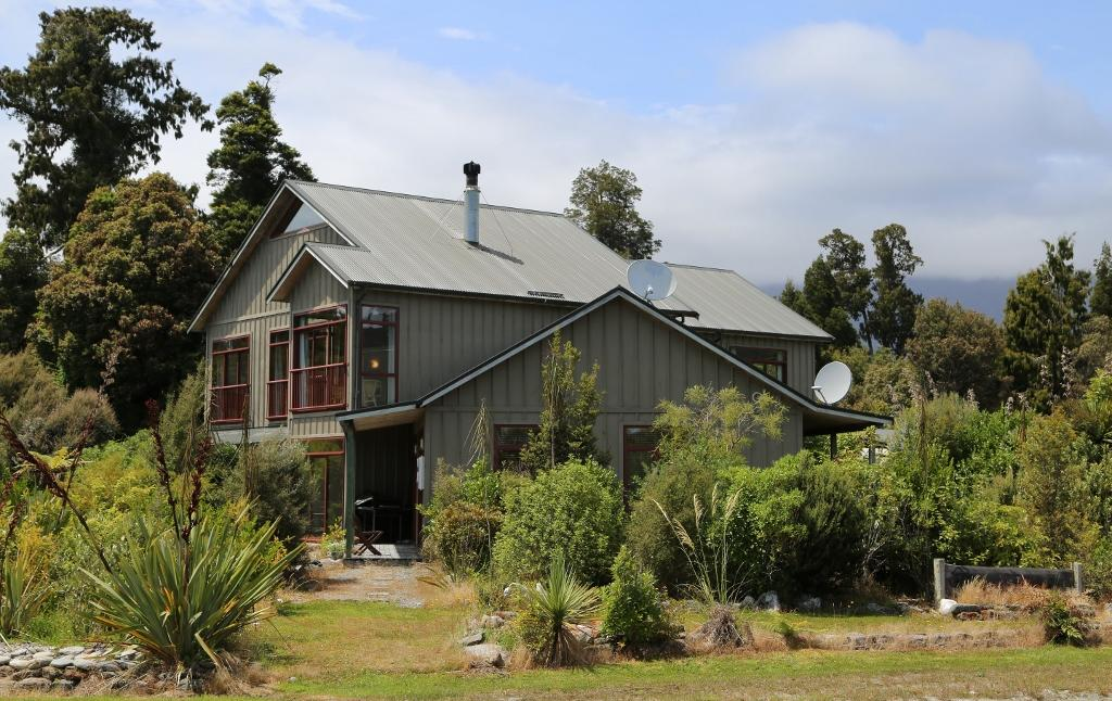 Mahitahi Lodge