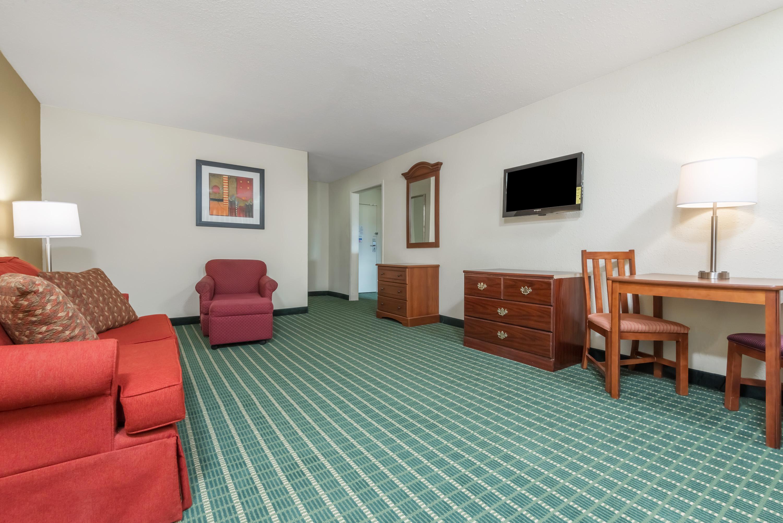 Baymont Inn Suites Kokomo Indiana Hotel Reviews and Rates
