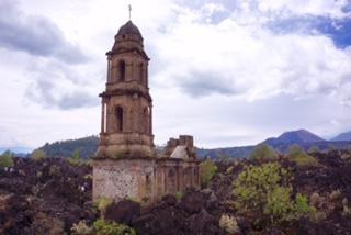 Antigua Iglesia de San Juan Parangaricutiro