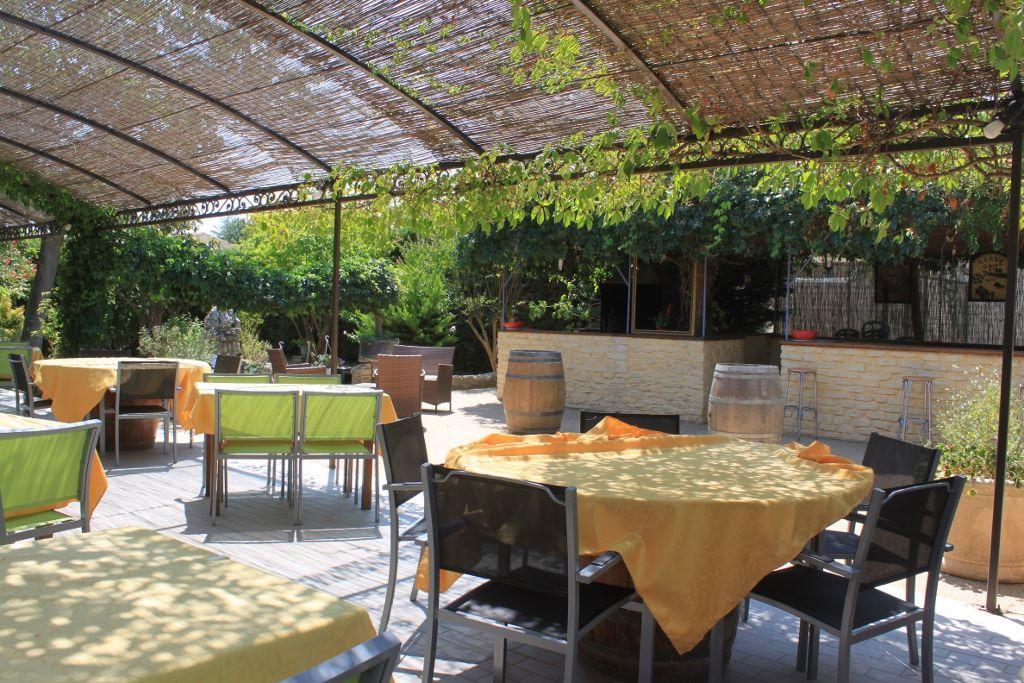 Restaurant l 39 olivier dans pont saint esprit for L jardine pont saint esprit