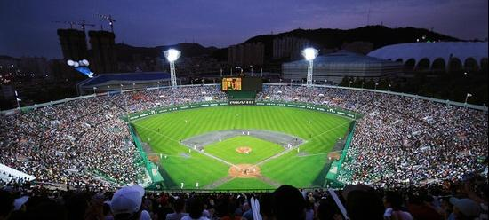 ‪Sajik Baseball Stadium‬