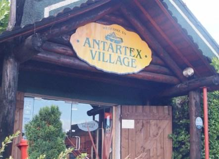 ‪Antartex Shopping Village‬