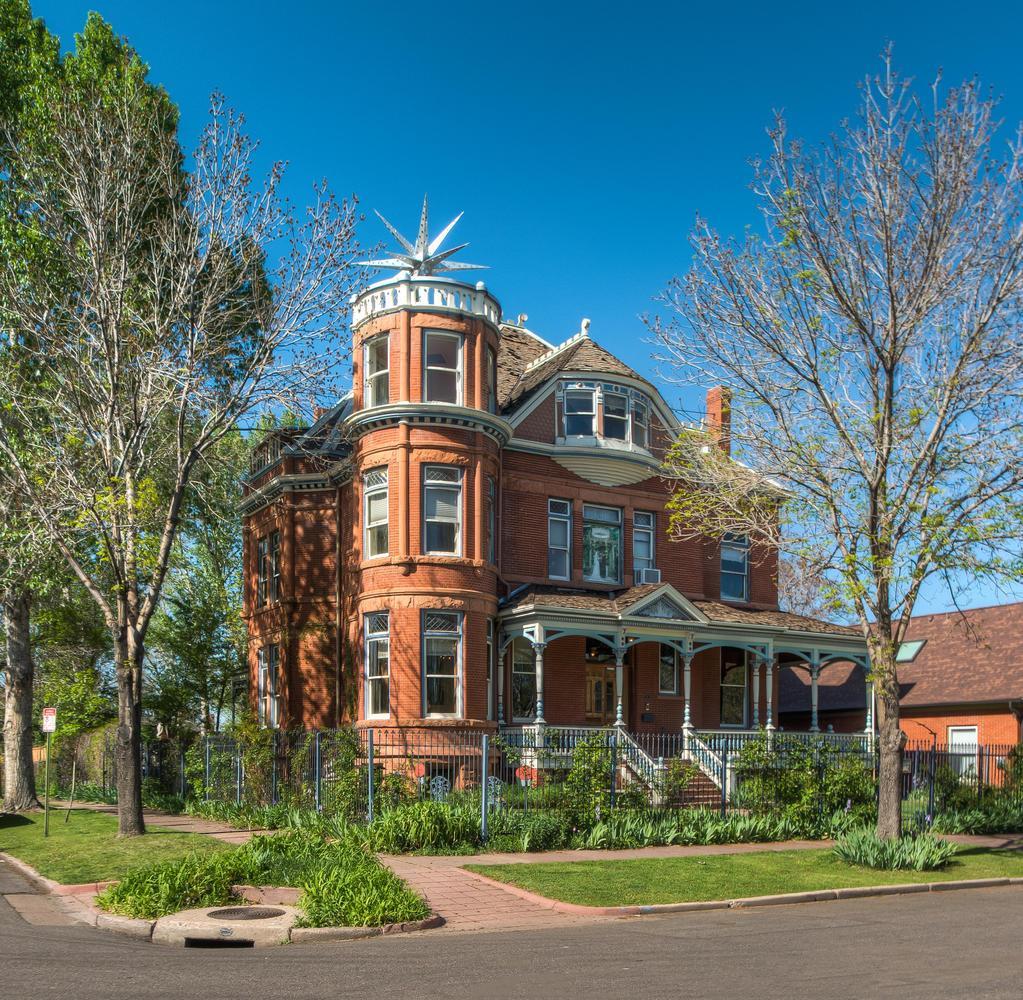 Lumber Baron Inn & Gardens