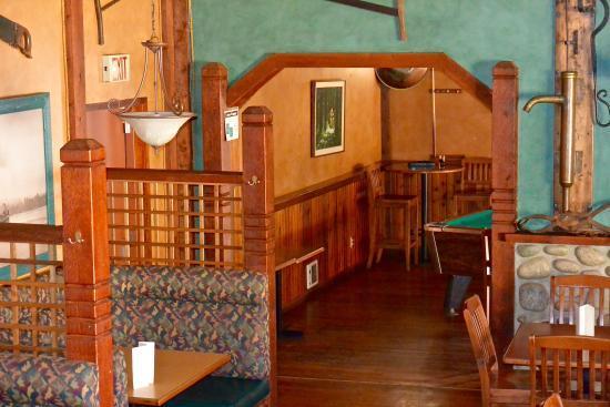 Hawk's Nest Pub