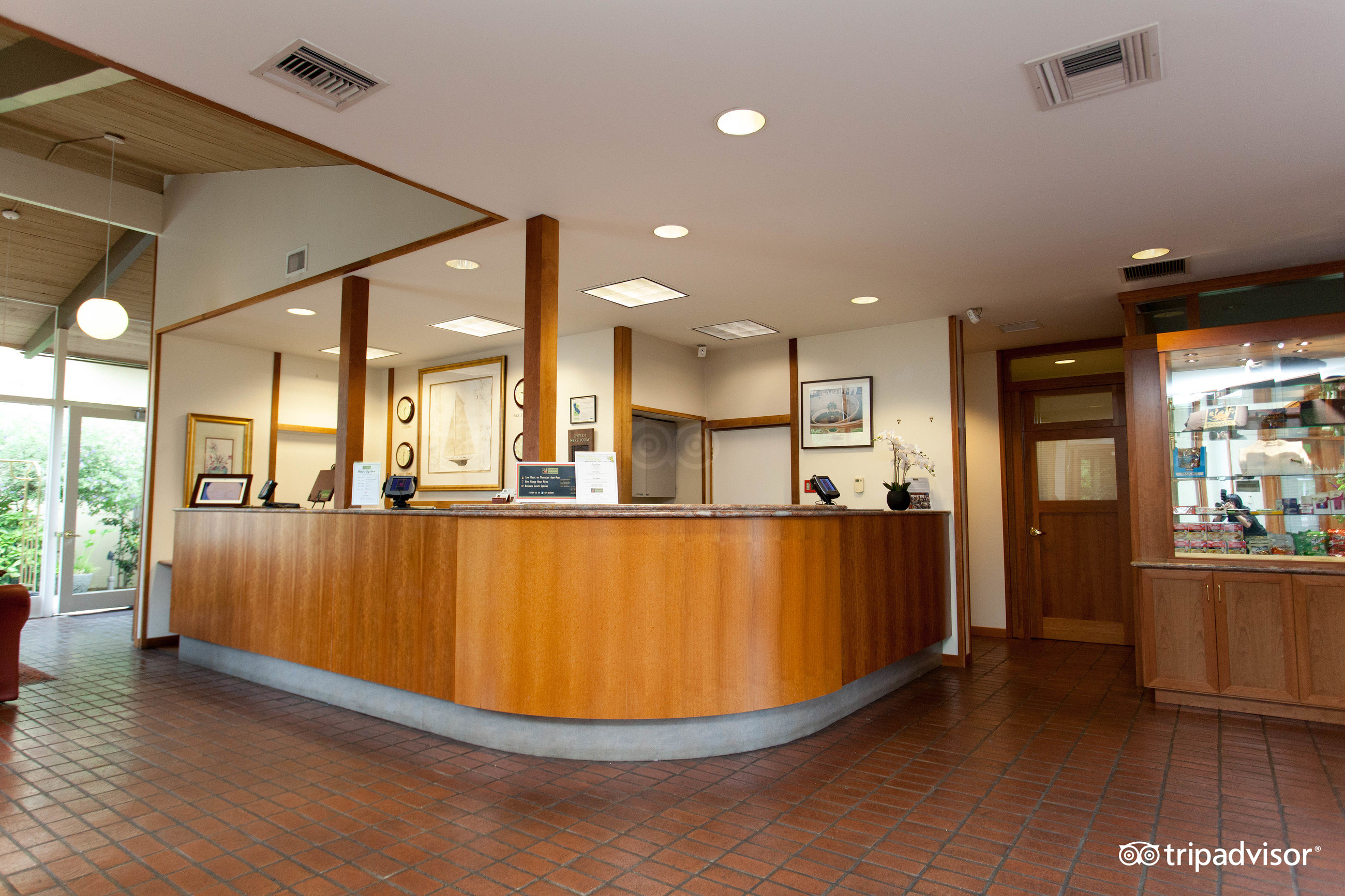 Dinahs Garden Hotel Palo Alto CA 2017 Review Family Vacation