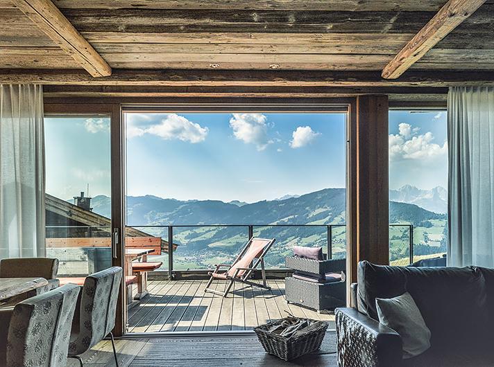 Maierl alm und chalets bewertungen fotos preisvergleich kirchberg tirol - Interieur chalet berg foto ...