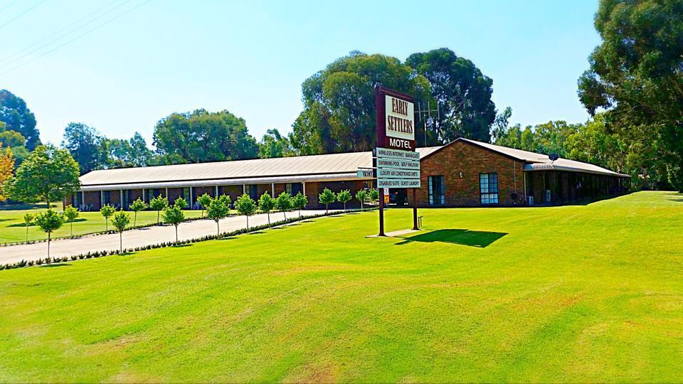 Early Settlers Motel