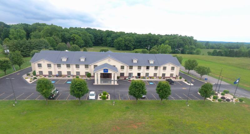 Baymont Inn & Suites Albany