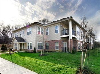 Charwood Suites Columbus / Camp Atterbury