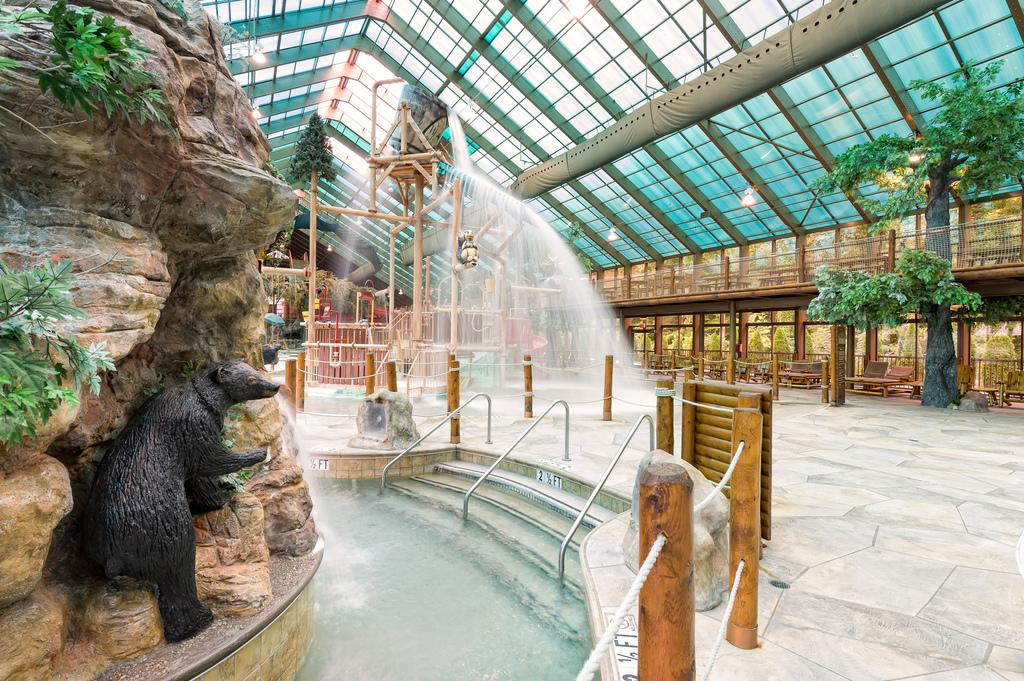 Wild bear falls waterpark gatlinburg all you need to for About you salon gatlinburg tn