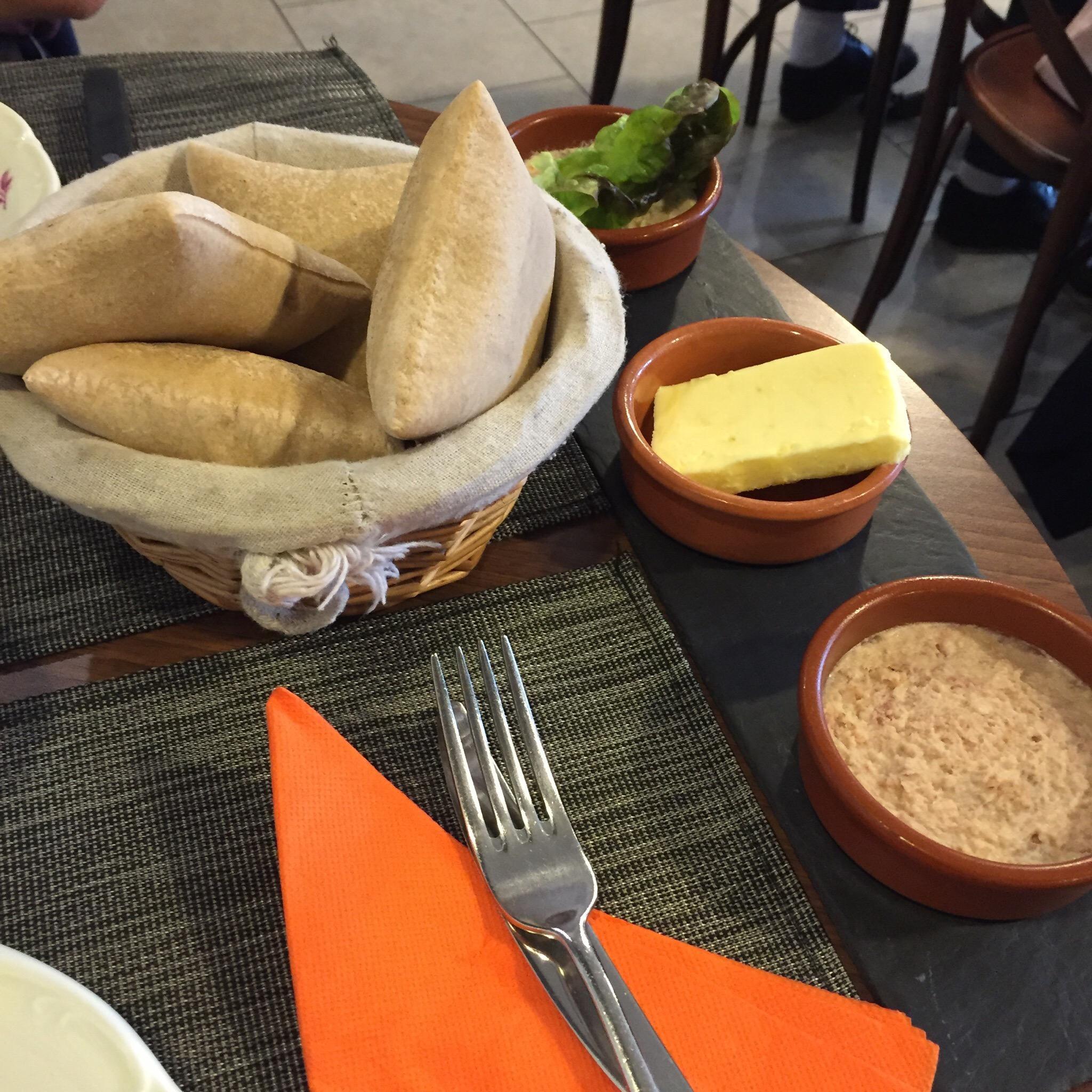 Best Deli food near Les Ponts De Ce, France