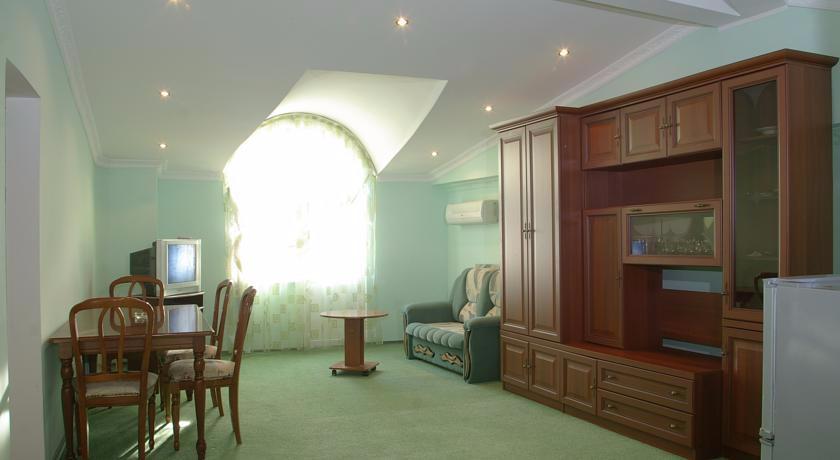 U Bocharova Ruchya Hotel