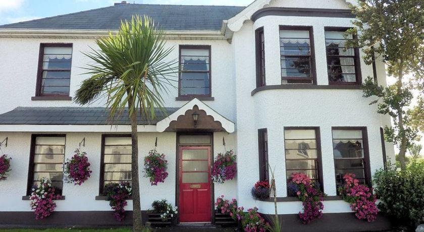 Strandhill Lodge, Hostel & Surf School