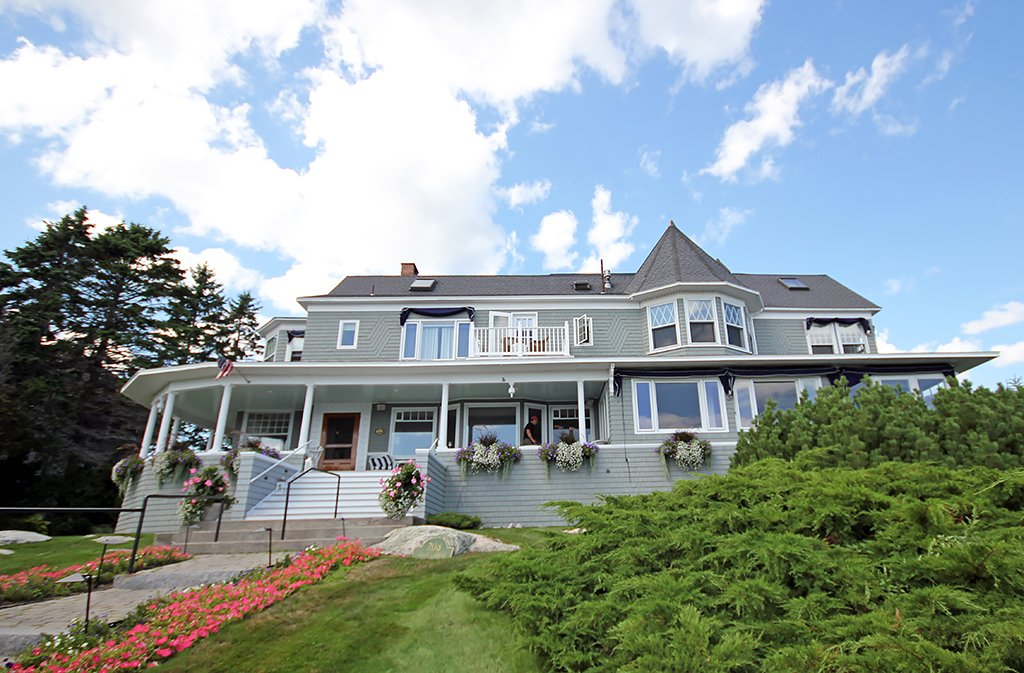 Cape Arundel Inn & Resort
