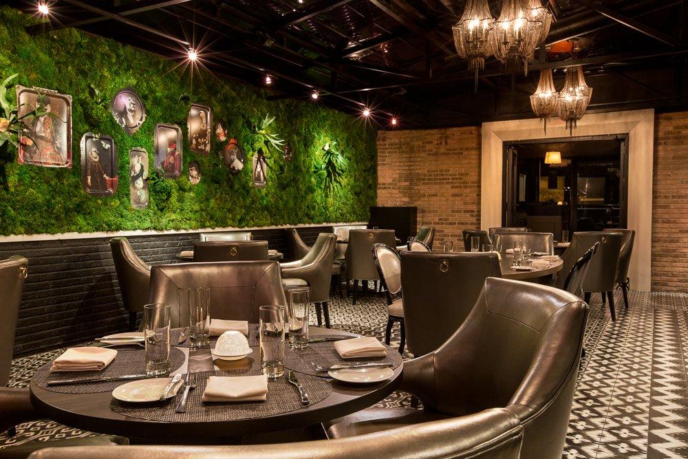 The 10 Best Restaurants Near Steppenwolf Theatre Company In