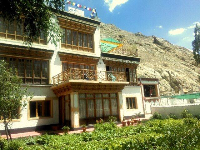 New Moon Guest House Leh Ladakh Inn Reviews Photos