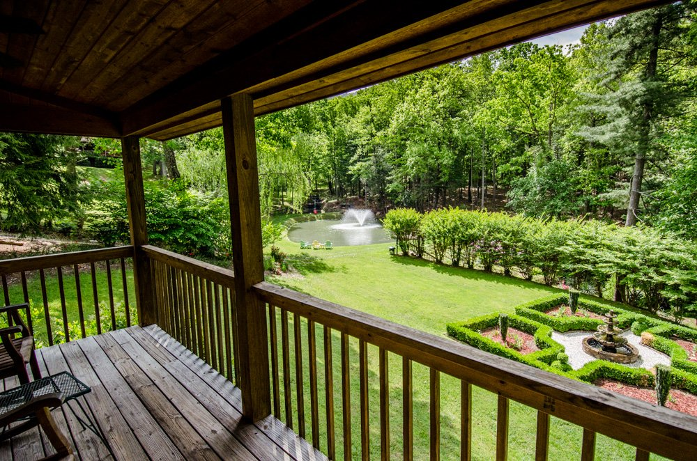 Asheville Cabins of Willow Winds