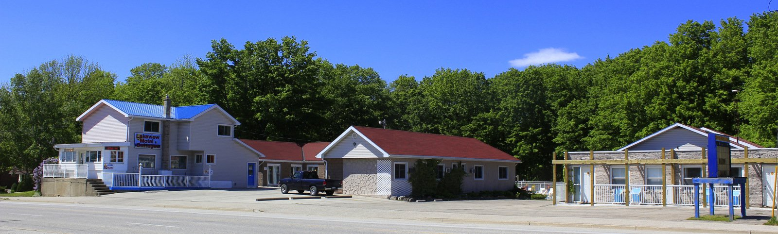 ‪Lakeview Motel & Cottages‬