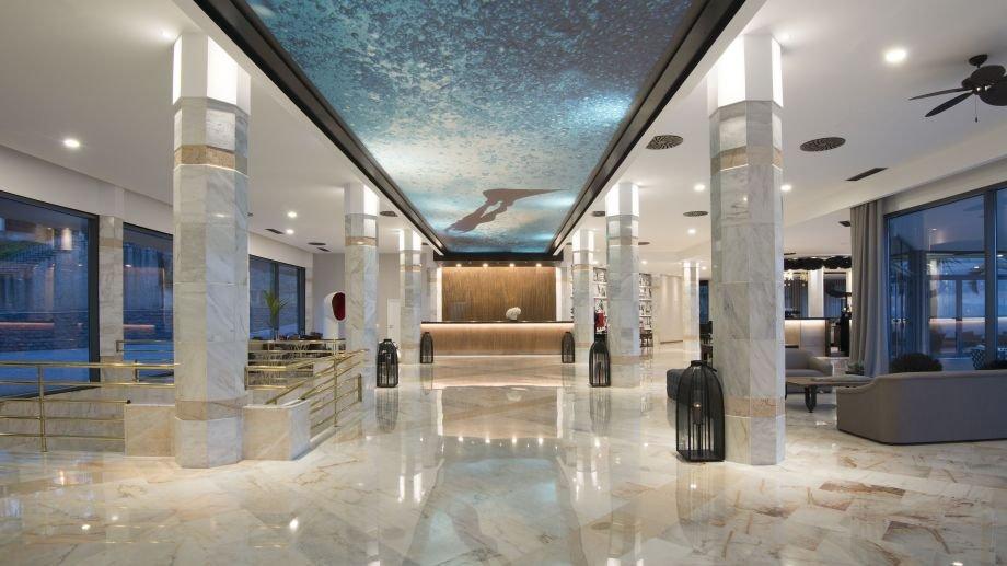 藍色巴亞飯店
