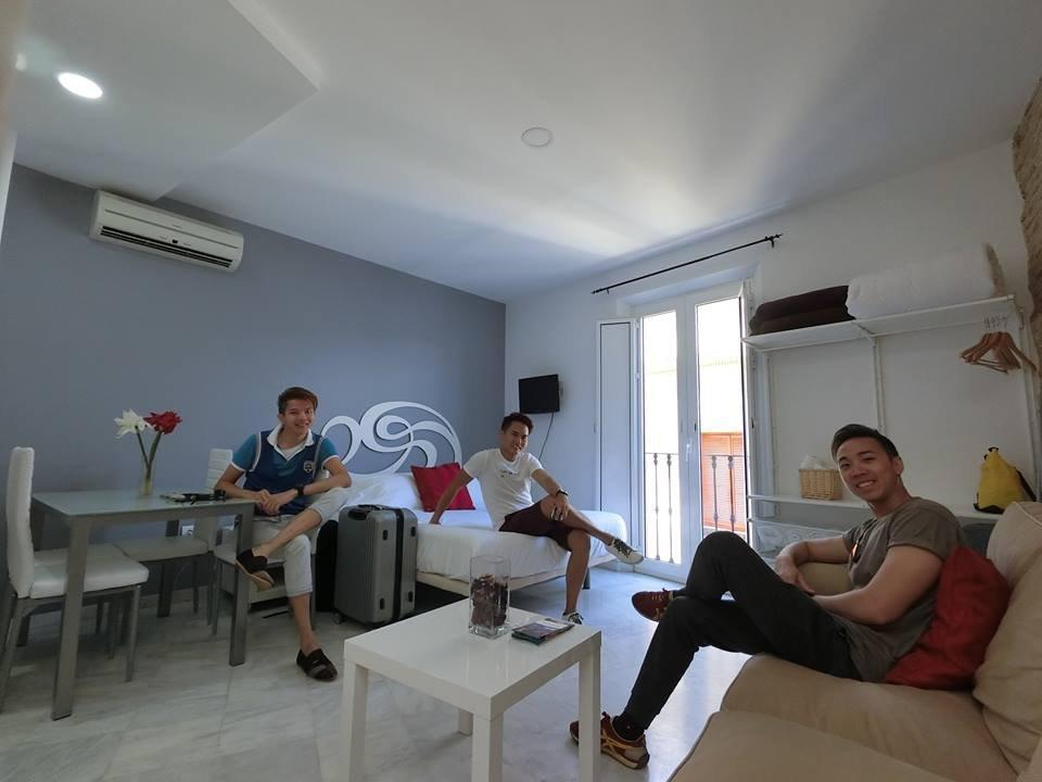 Apartamentos Mariano de Cavia