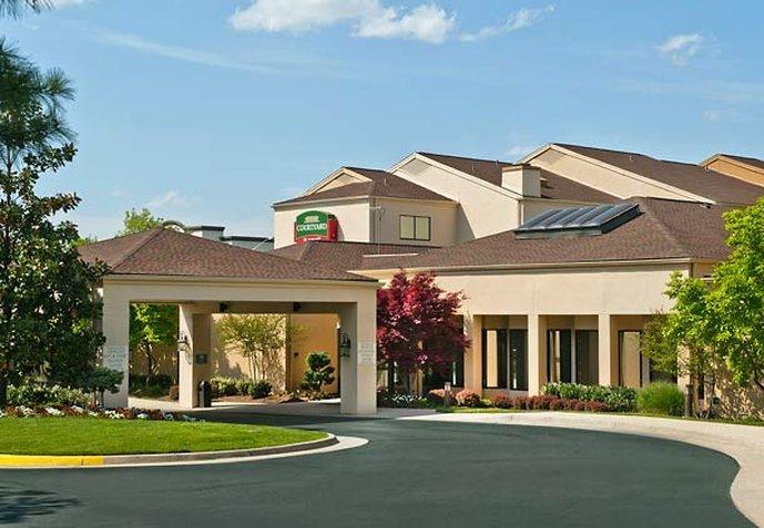 Chantilly Hotel near Dulles Airport | Courtyard Dulles