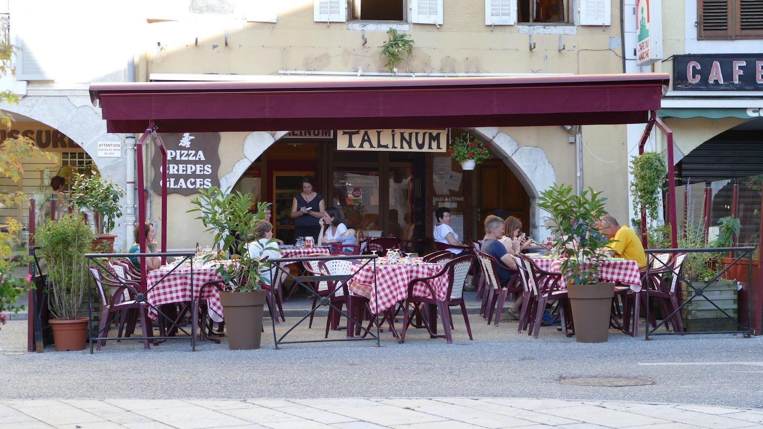 France Food Guide: 10 Pizza food Must-Eat Restaurants & Street Food Stalls in Manigod
