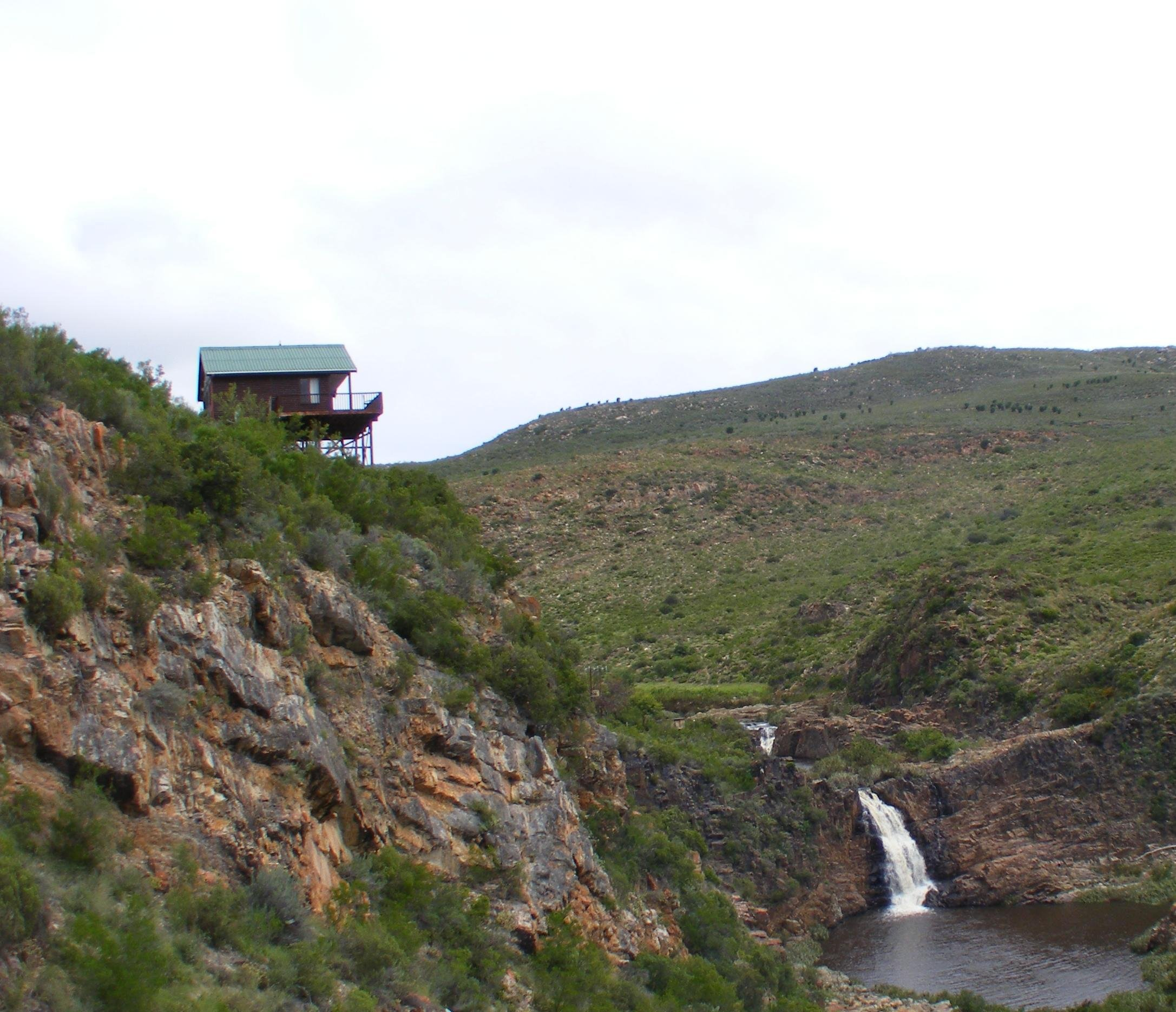 Eagle Falls Country Lodge