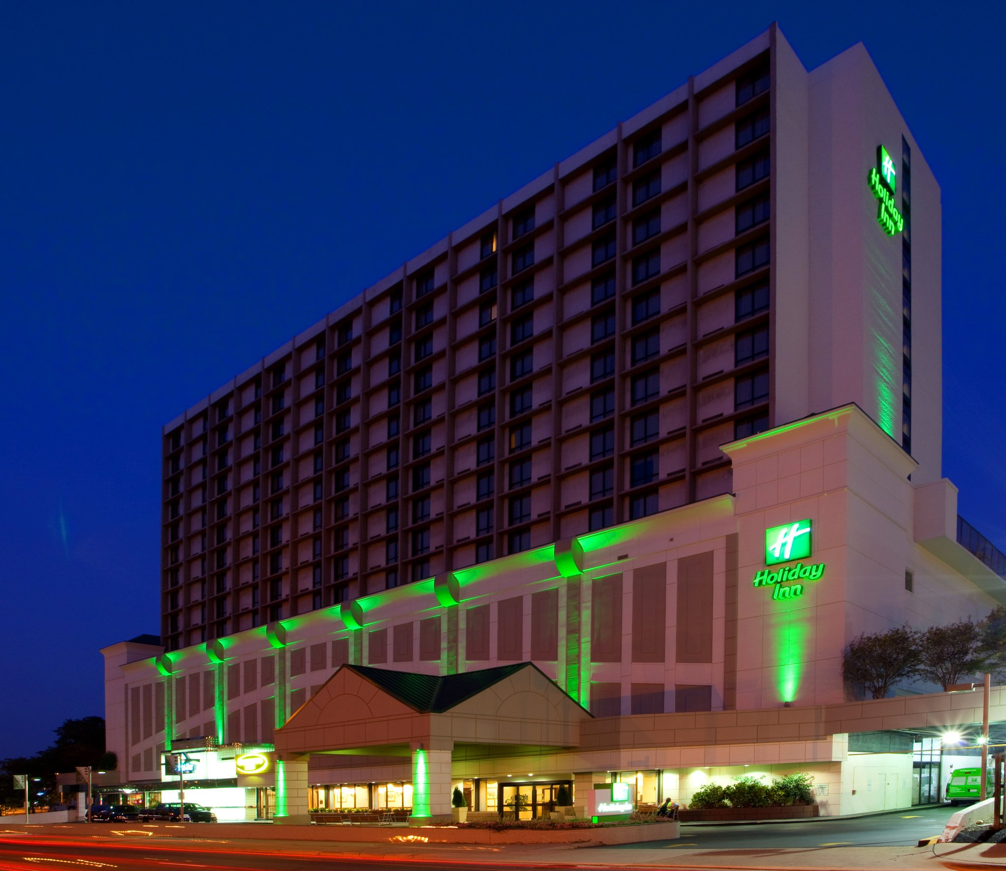 Holiday Inn National Airport / Crystal City