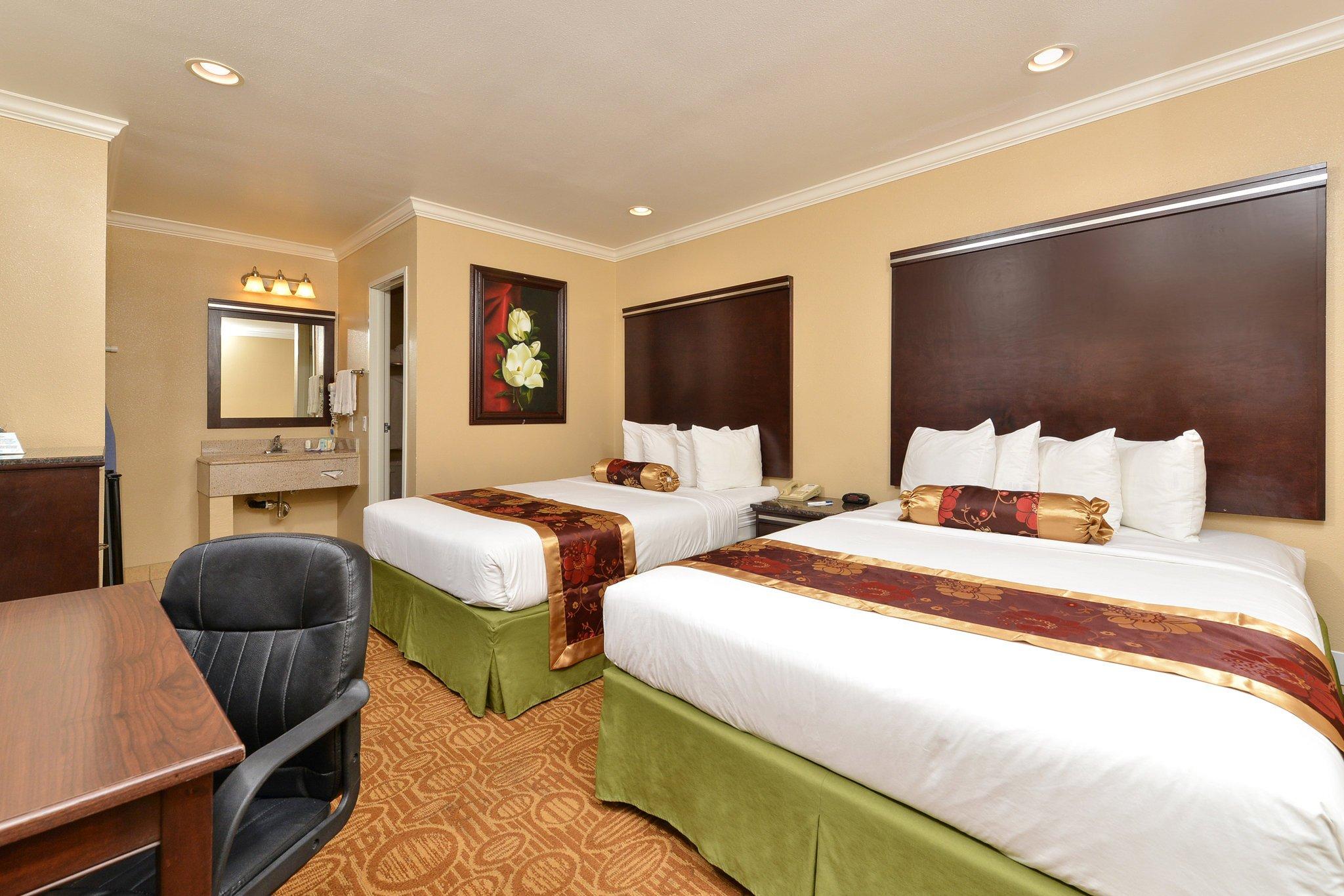 高通體育館羅德威旅館