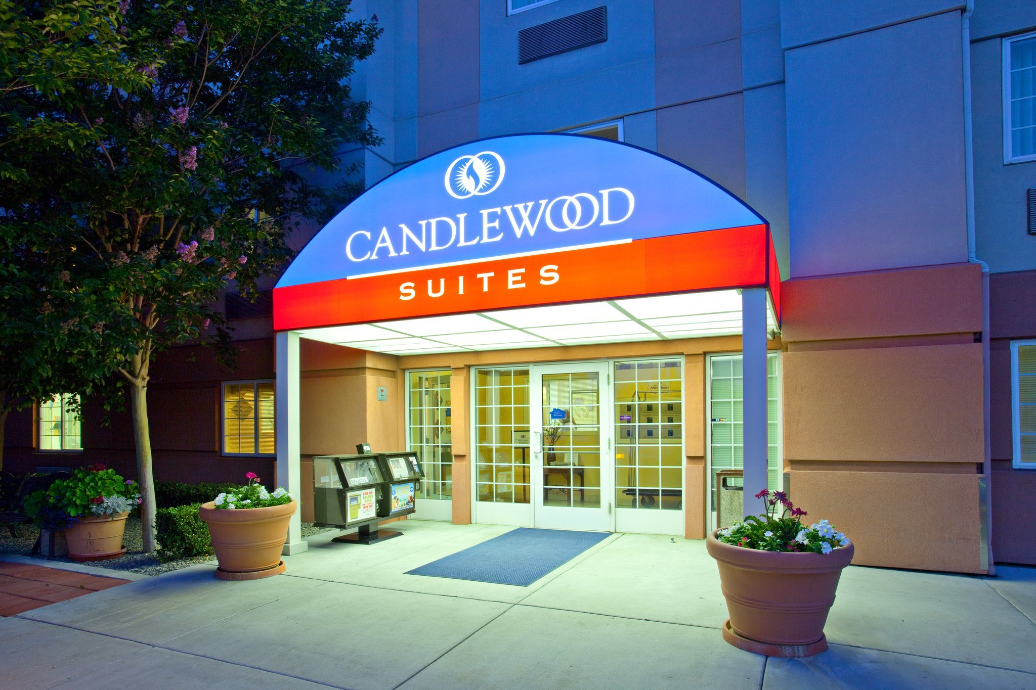 ‪Candlewood Suites North Orange County‬