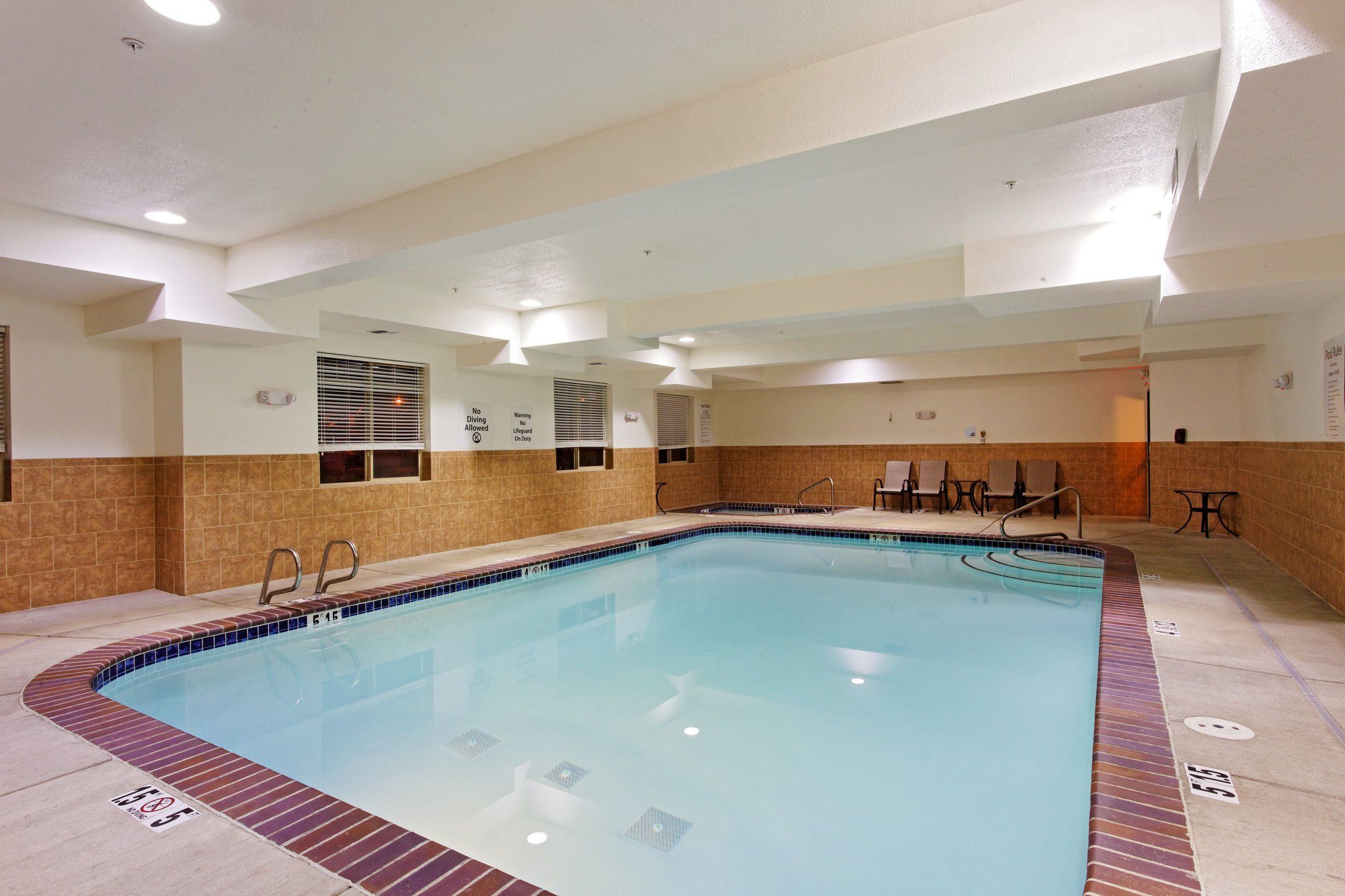 Holiday Inn Express Hotel and Suites Newport