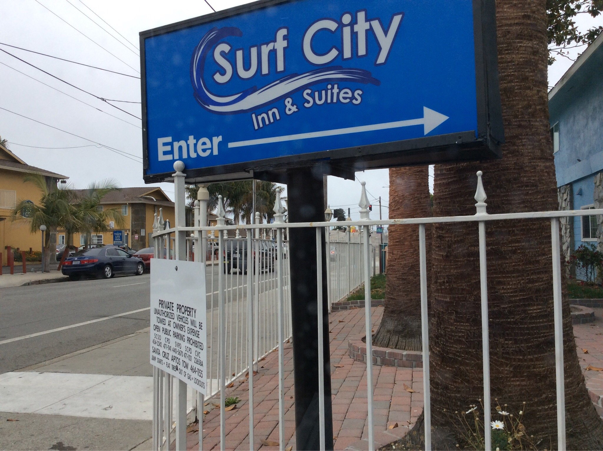 Surf City Inn & Suites