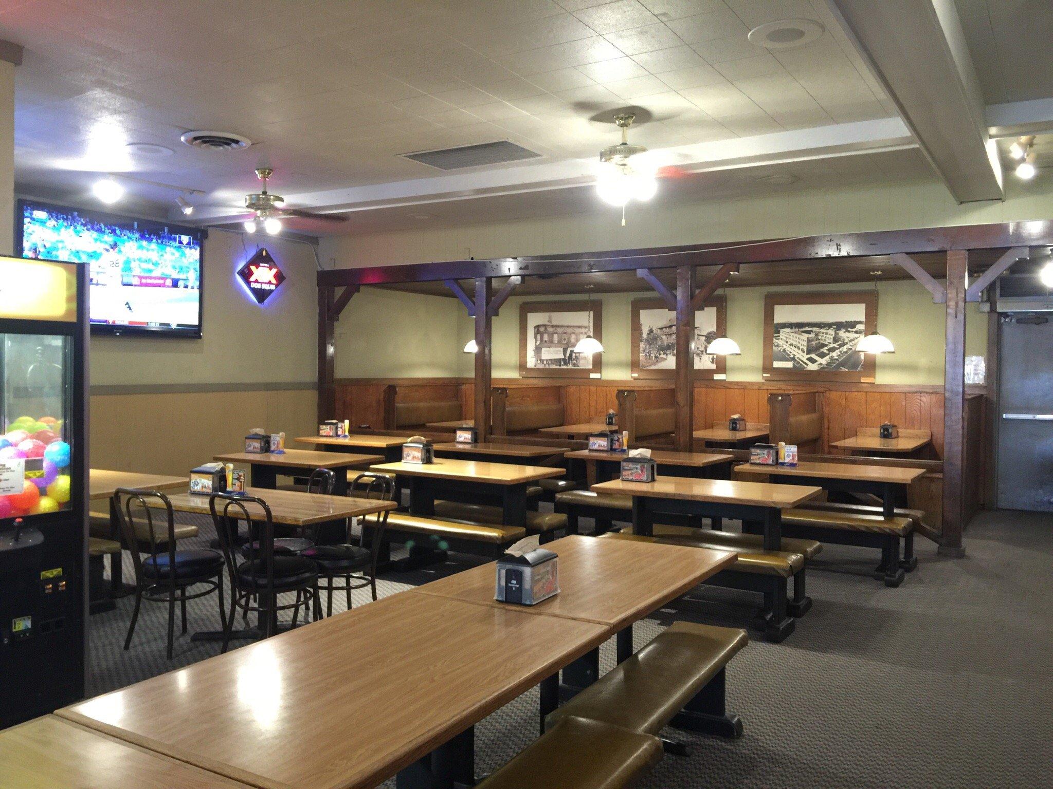 Round Table Pizza Fullerton 2506 E Chapman Ave Restaurant