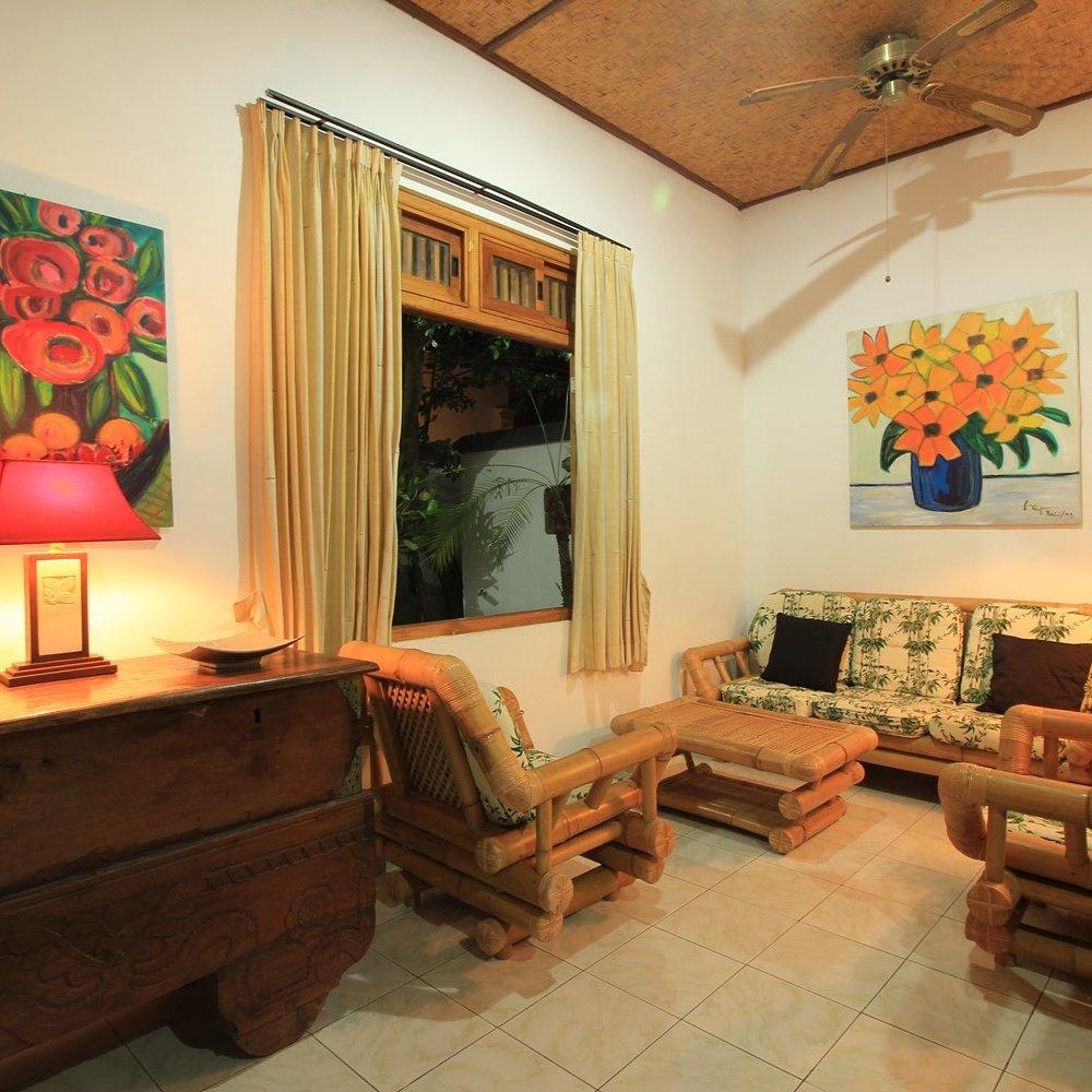Villa taman ganesha lovina beach indonesien villa for In a living room 94