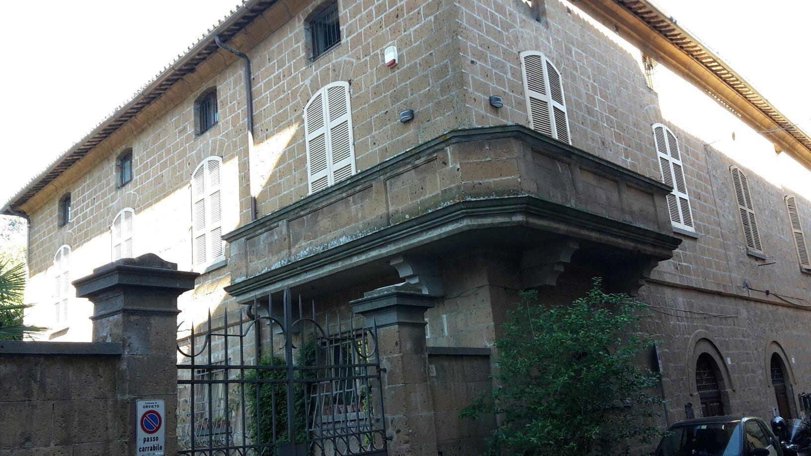 Porta Vivaria Guest House