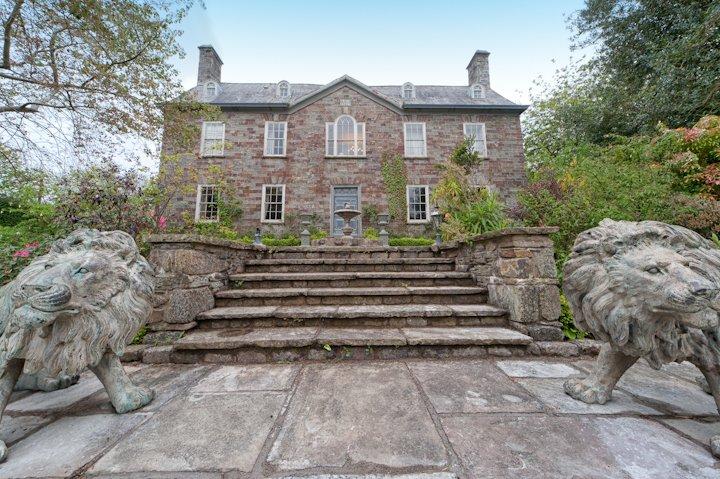 Walton Court Country House