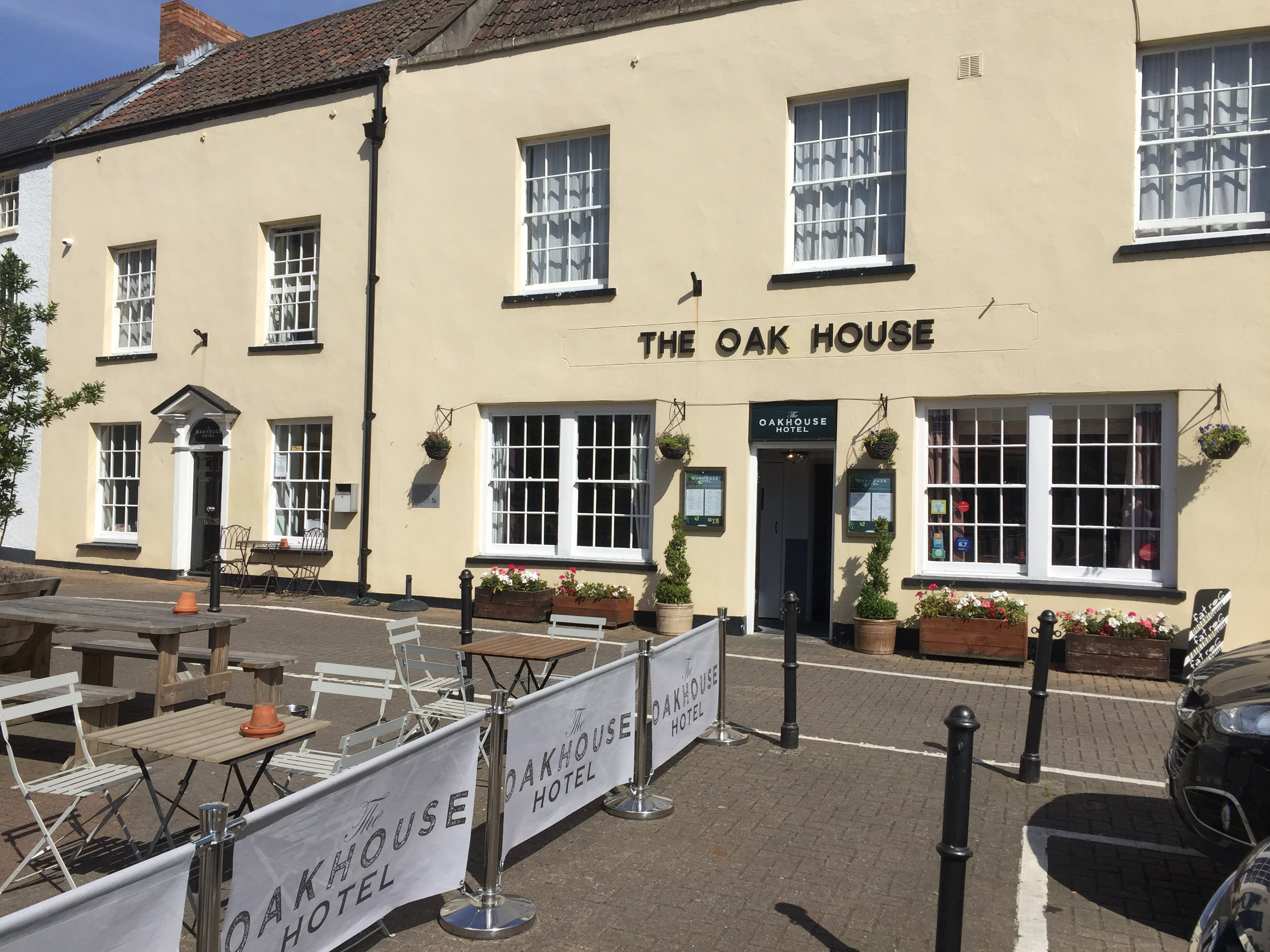 The Oak House Restaurant with Rooms