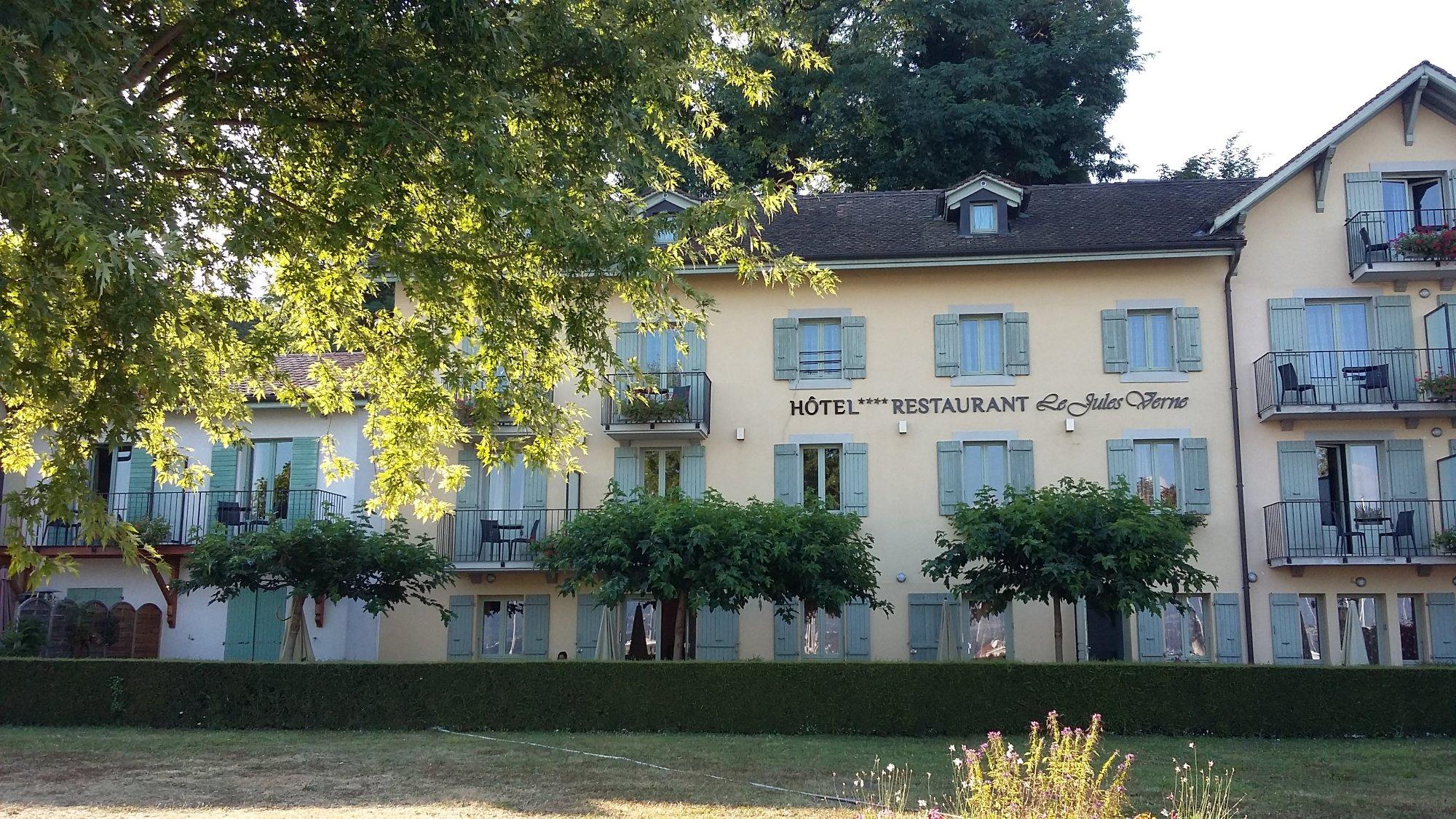 Hotel Le Jules Verne