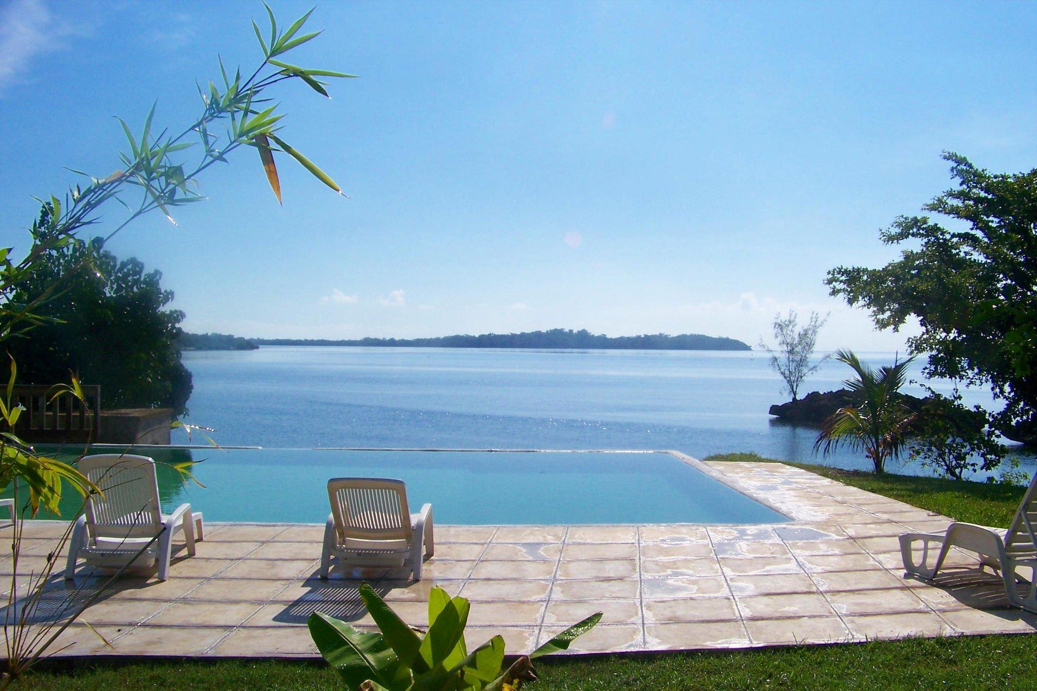 Rhodes Beach Resort Negril