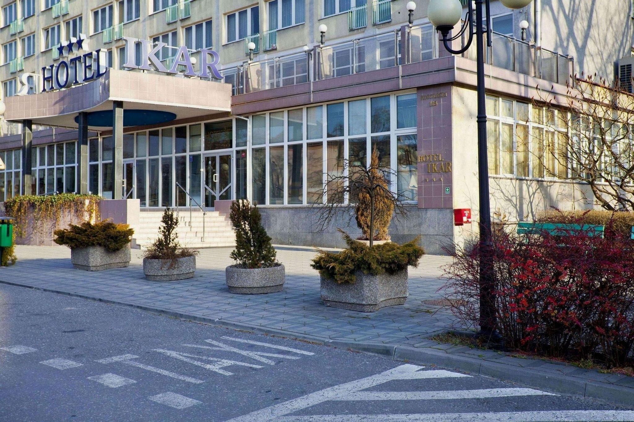 Ikar Hotel