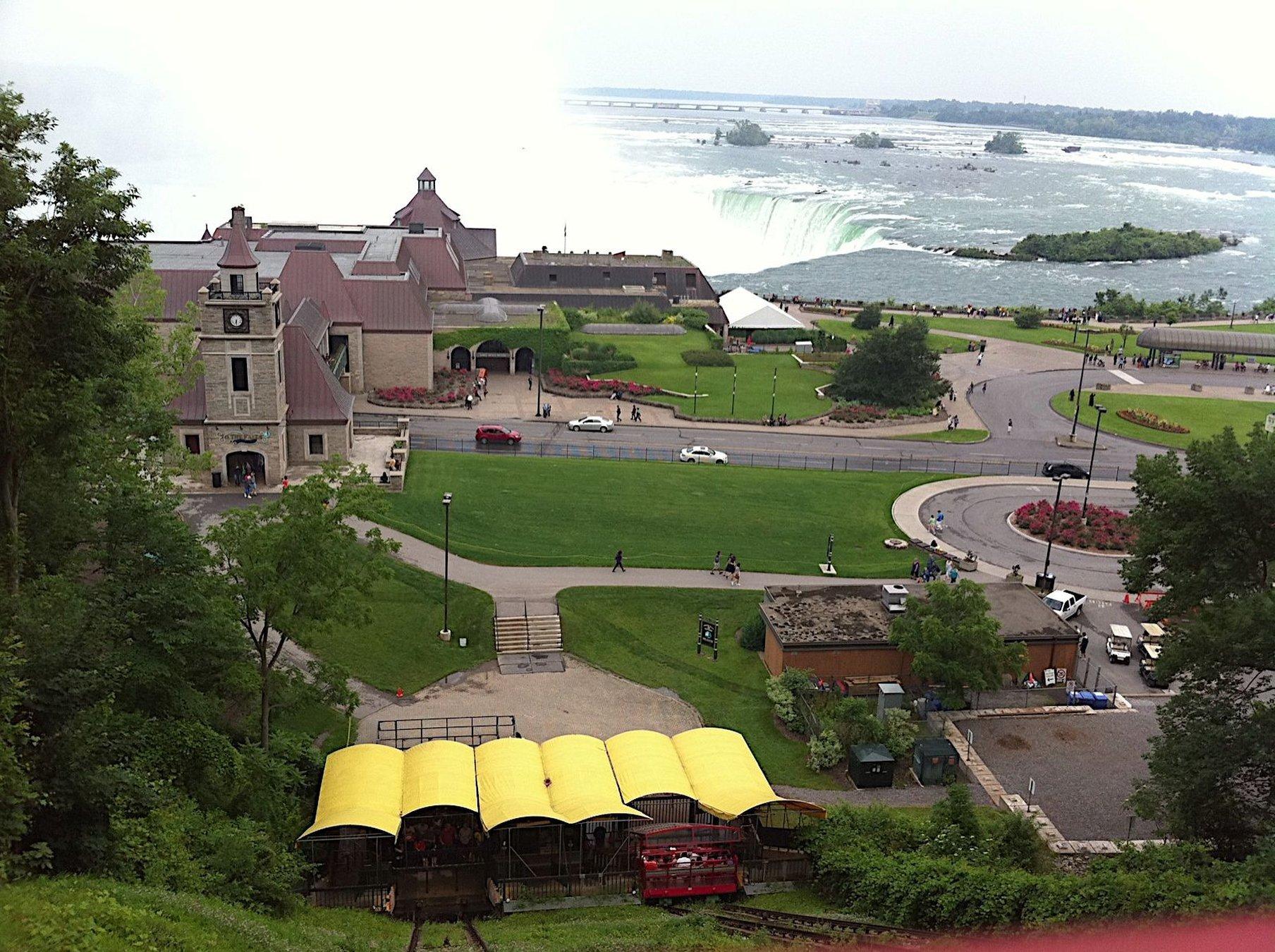 大學莊園旅館