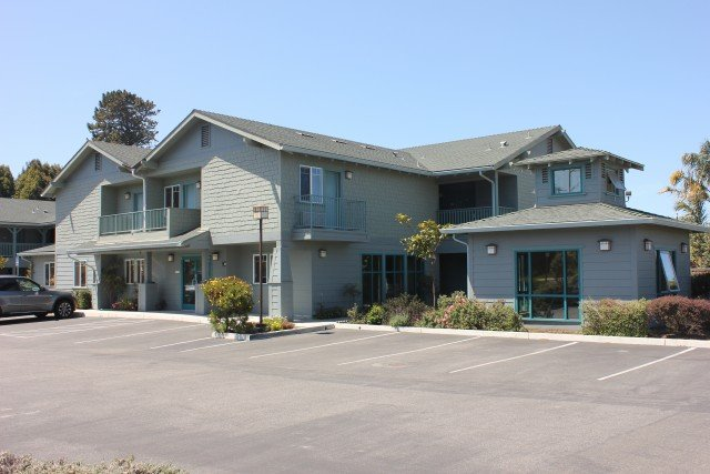 Morro Shores Inn & Suites
