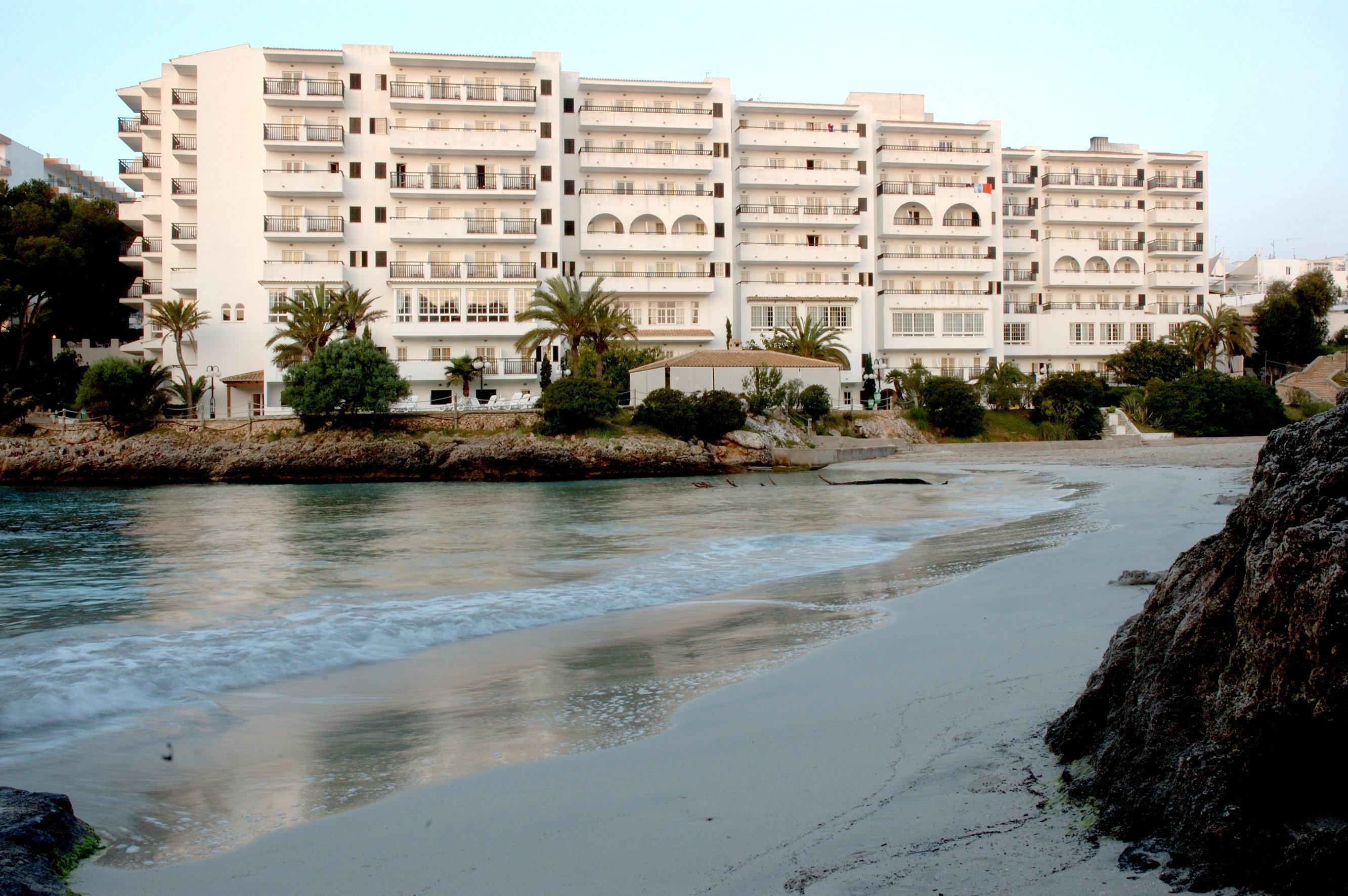 巴瑟罗波南特海滩酒店